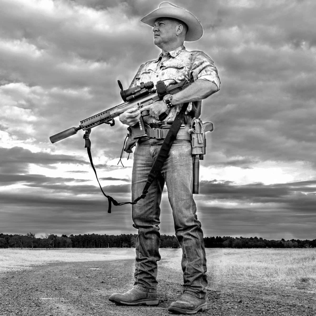 Todd Huey hog hunting
